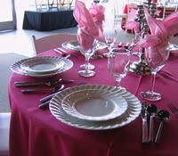Red, Pink, White, & Black Table Settings for Valentine's Day_10