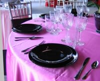 Red, Pink, White, & Black Table Settings for Valentine's Day_8
