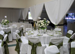 Teen Center Transformed for Green and White Wedding_4