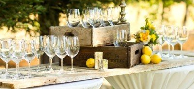 Wedding Cocktail Hour Simple Tips & Stylish Rentals_4