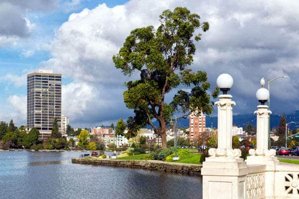 downtown oakland california lake merritt